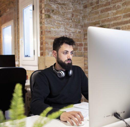 coworking-poblenou-eclektic-coworker (1)-min